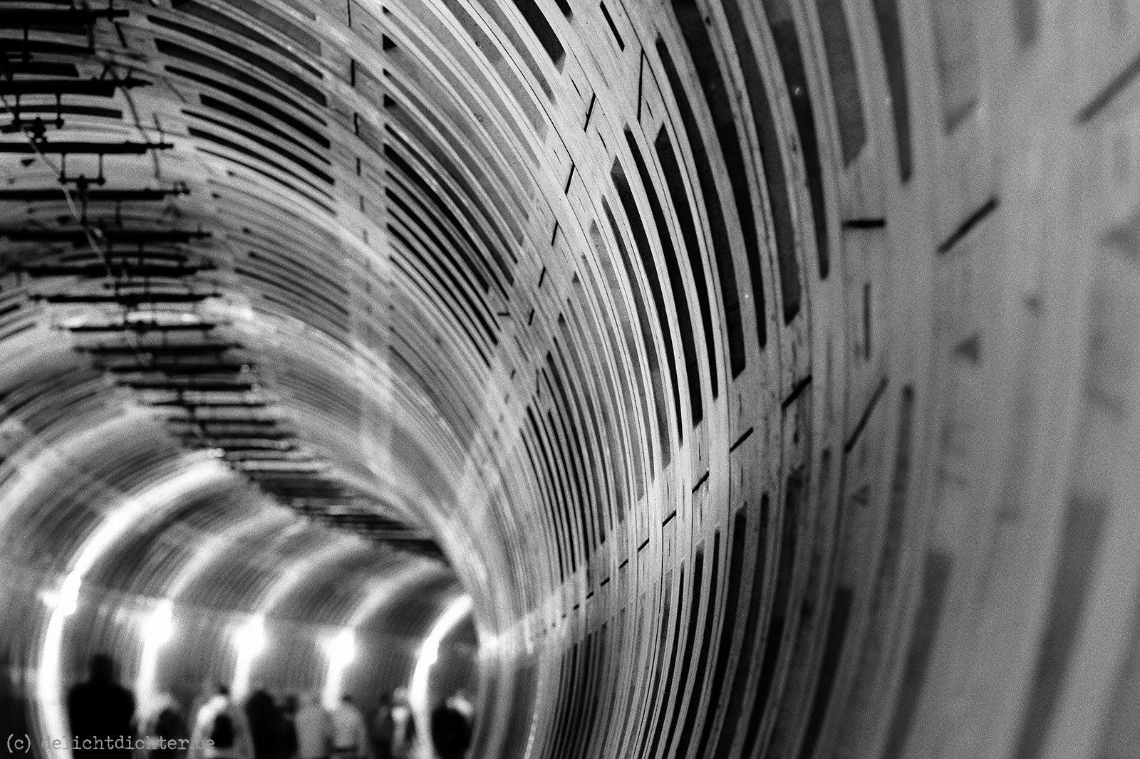 2009_04_tunnelevent_20090405_111359_zw-w