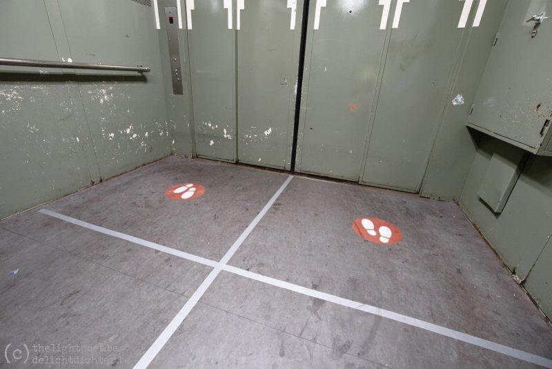 Voetgangerstunnel, in de lift