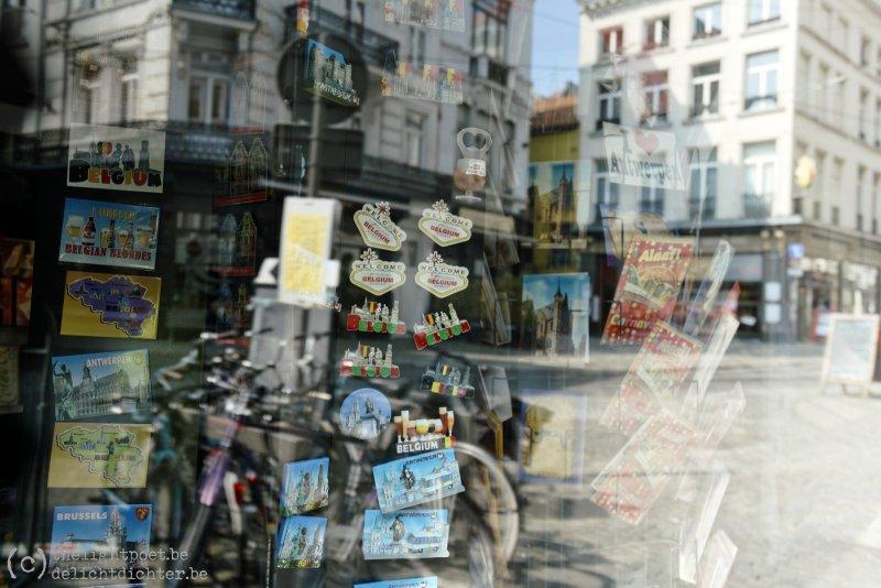 Groetjes uit Antwerpen, een leeg Antwerpen om precies te zijn