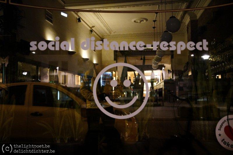 Kapitein Zeppos: social distance-respect