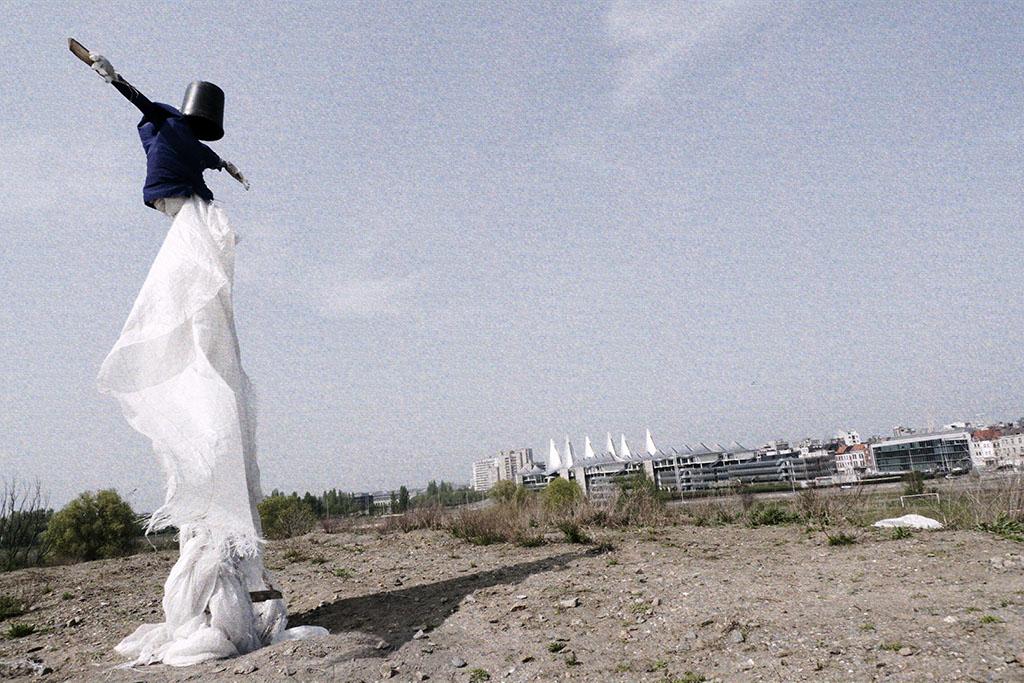 Geheimzinnige vogelverschrikkers in Antwerpen, april 2009
