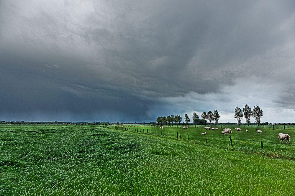 Onweer, ergens onderweg, mei 2010